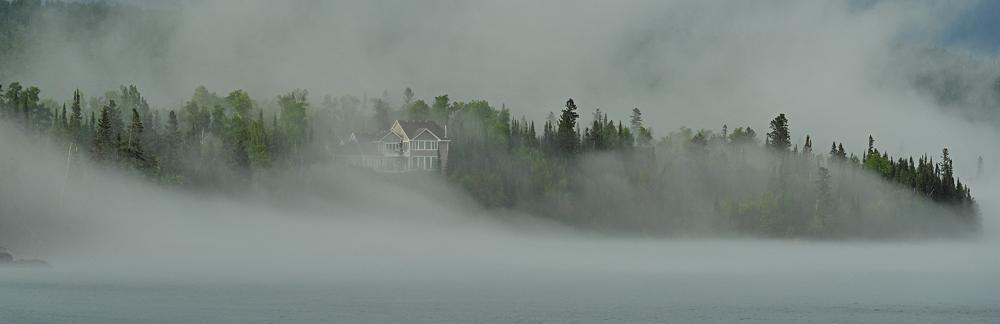 Fog rolls in off Lake Superior (Cathy Gray-Anderson photo)